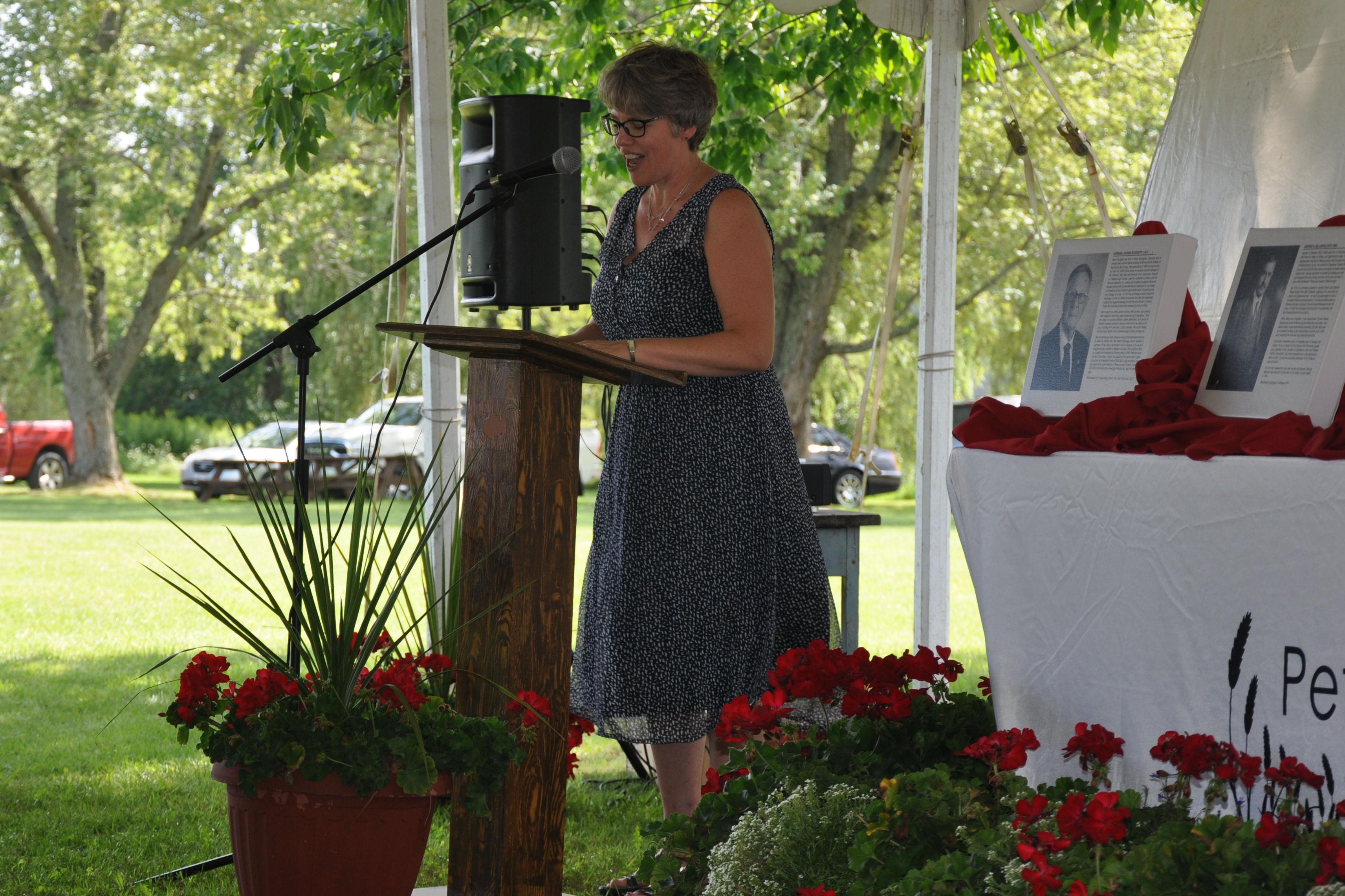 Carolyn Doris